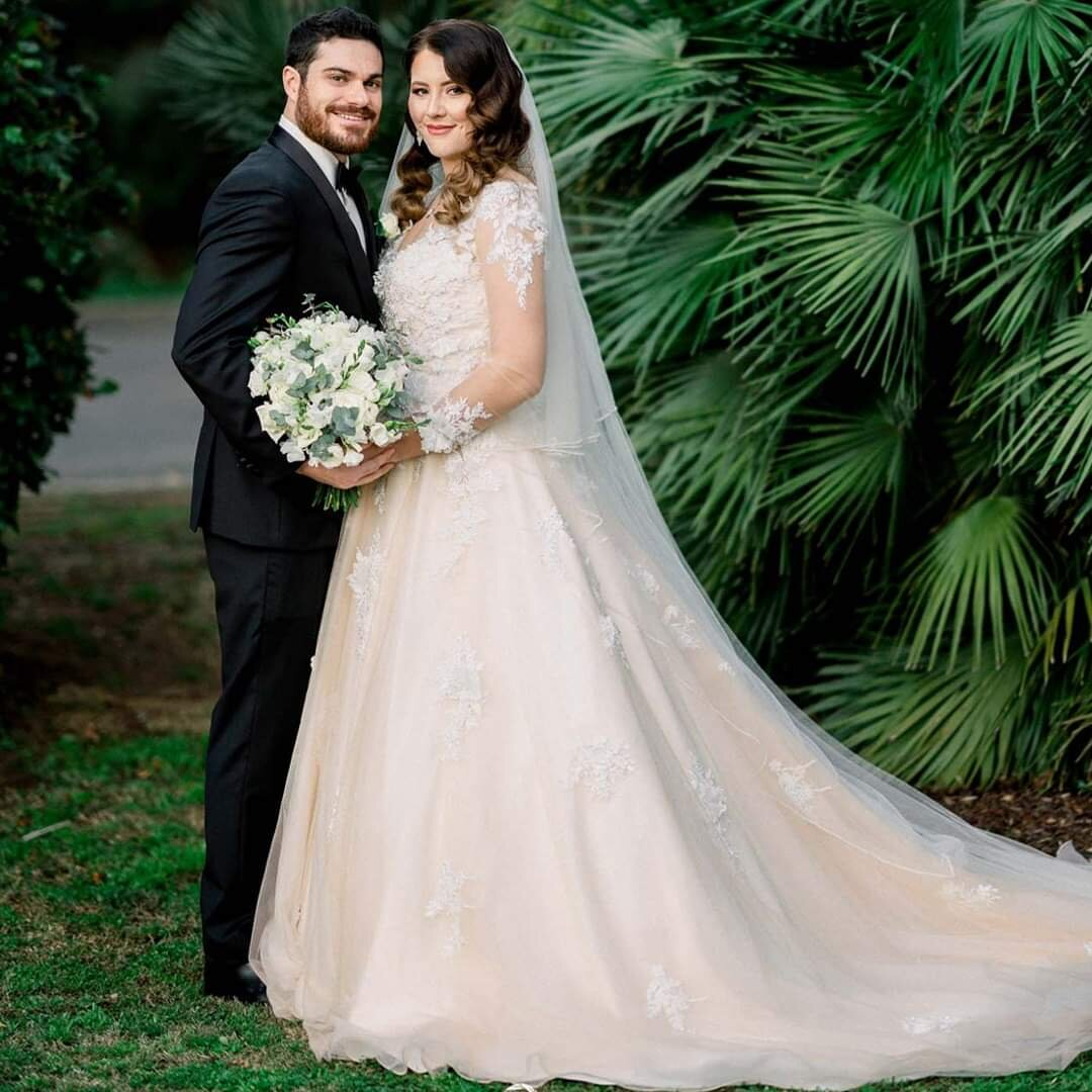 Lauren - Hi Jessie! Thank you so much for the flowers, everything looked amazing with the bouquets and reception! I loved the setup and everyone said the room looked beautiful! Photographer Splendid Photography