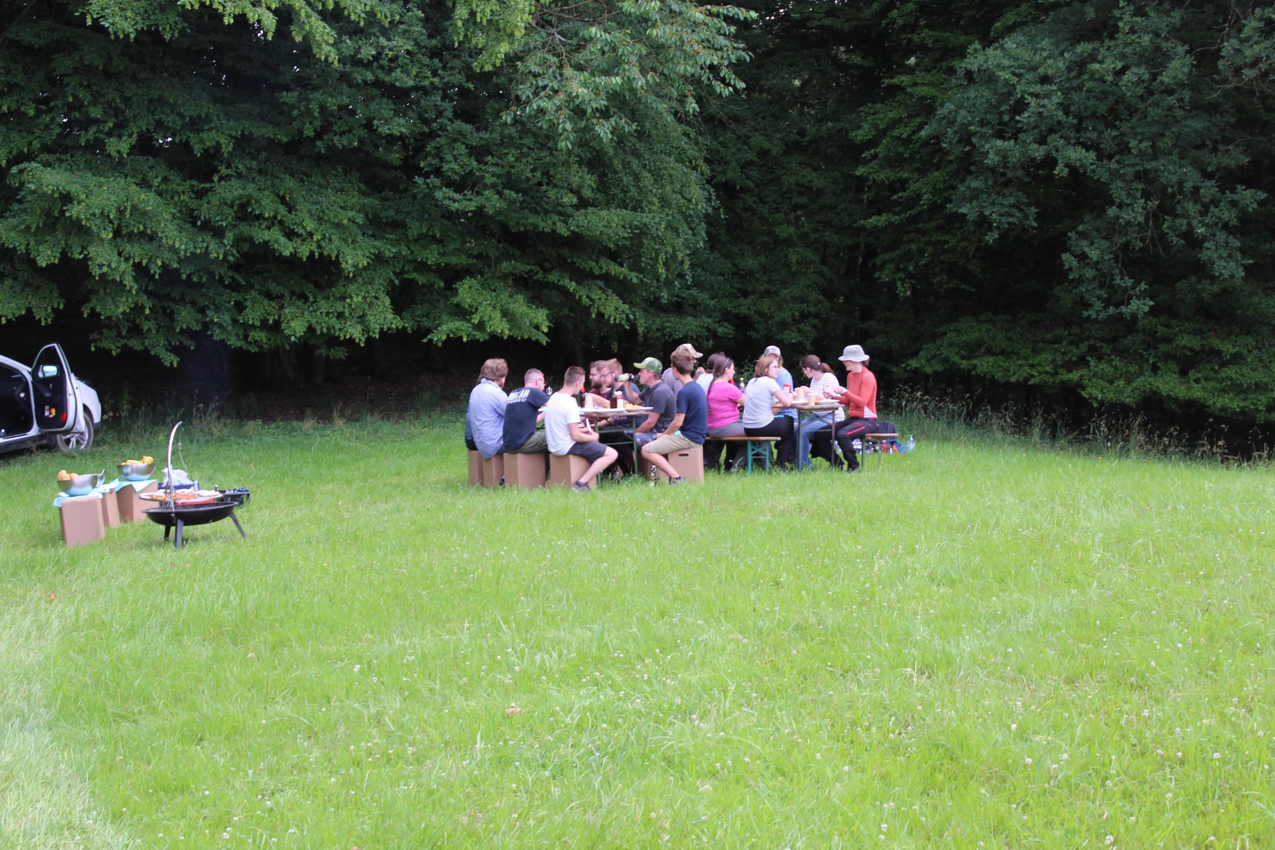 Outdoor Teambuilding mit Barbecue