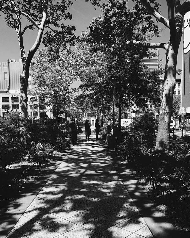 Caught some good shadows. . . . . . . . . . . . . . . . . #nyc #nyc_explorers #nycstreetphotography #streetshot #streets_storytelling #monochromatic #blackandwhiteonly #streetphotography