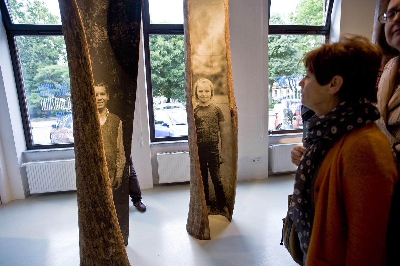 1138794_Emilie-Brzezinski-Drzewa-Rodzinne-wernisaz.jpg