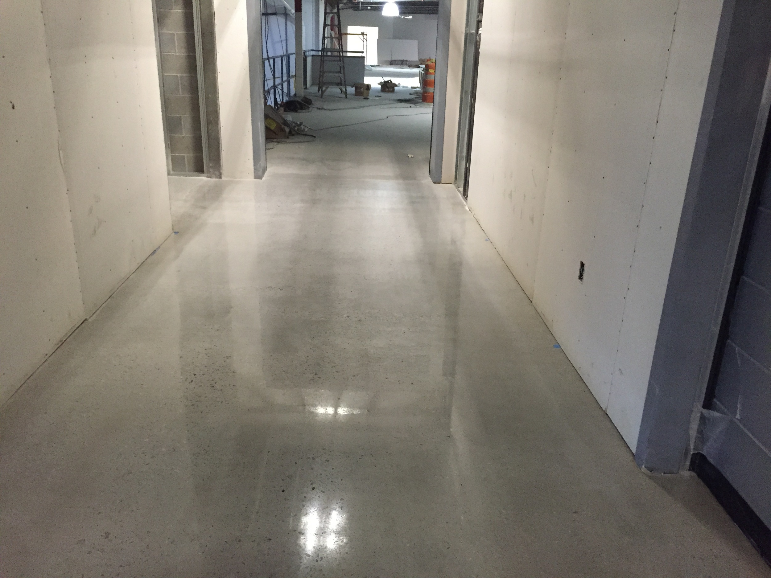Polishing Concrete in 140,000 Sf Project