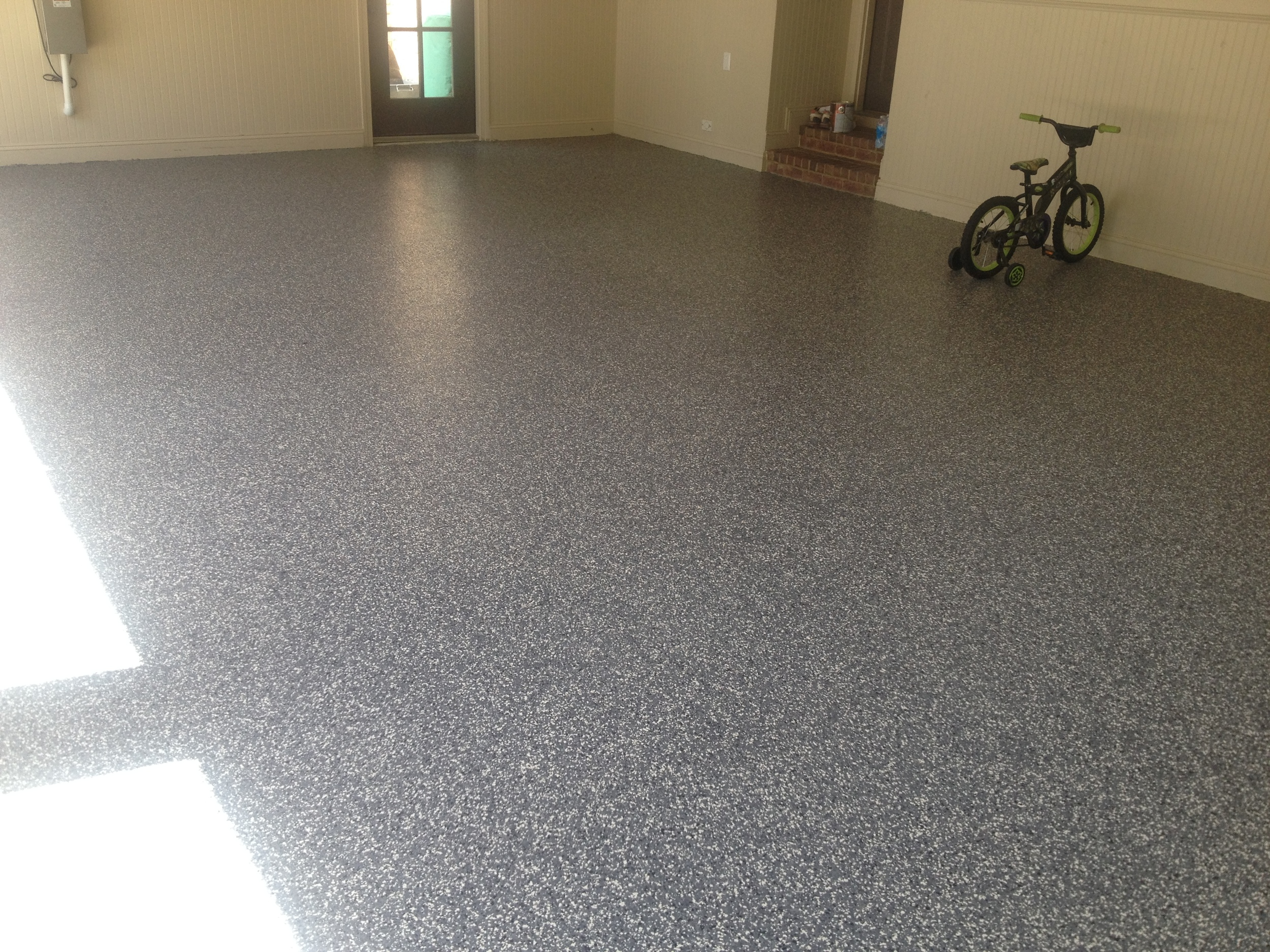 Epoxy Floor Coating Under Full Color-Flake System