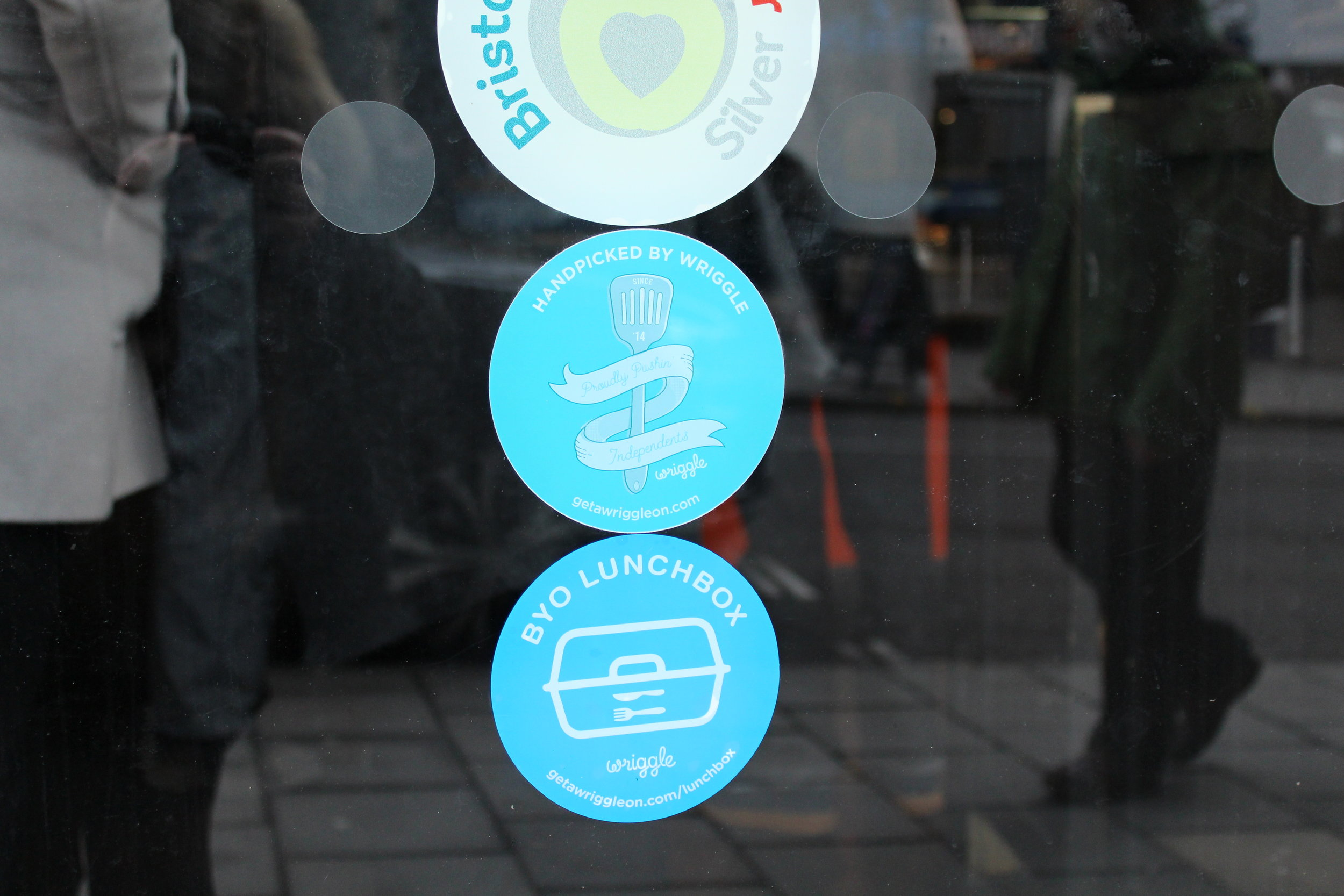 Add a sticker to your window - Display your window sticker with pride knowing that you're helping to reduce the impact of single-use plastics, and to let passers-by know that they are welcome to come and fill up their lunchbox with you.