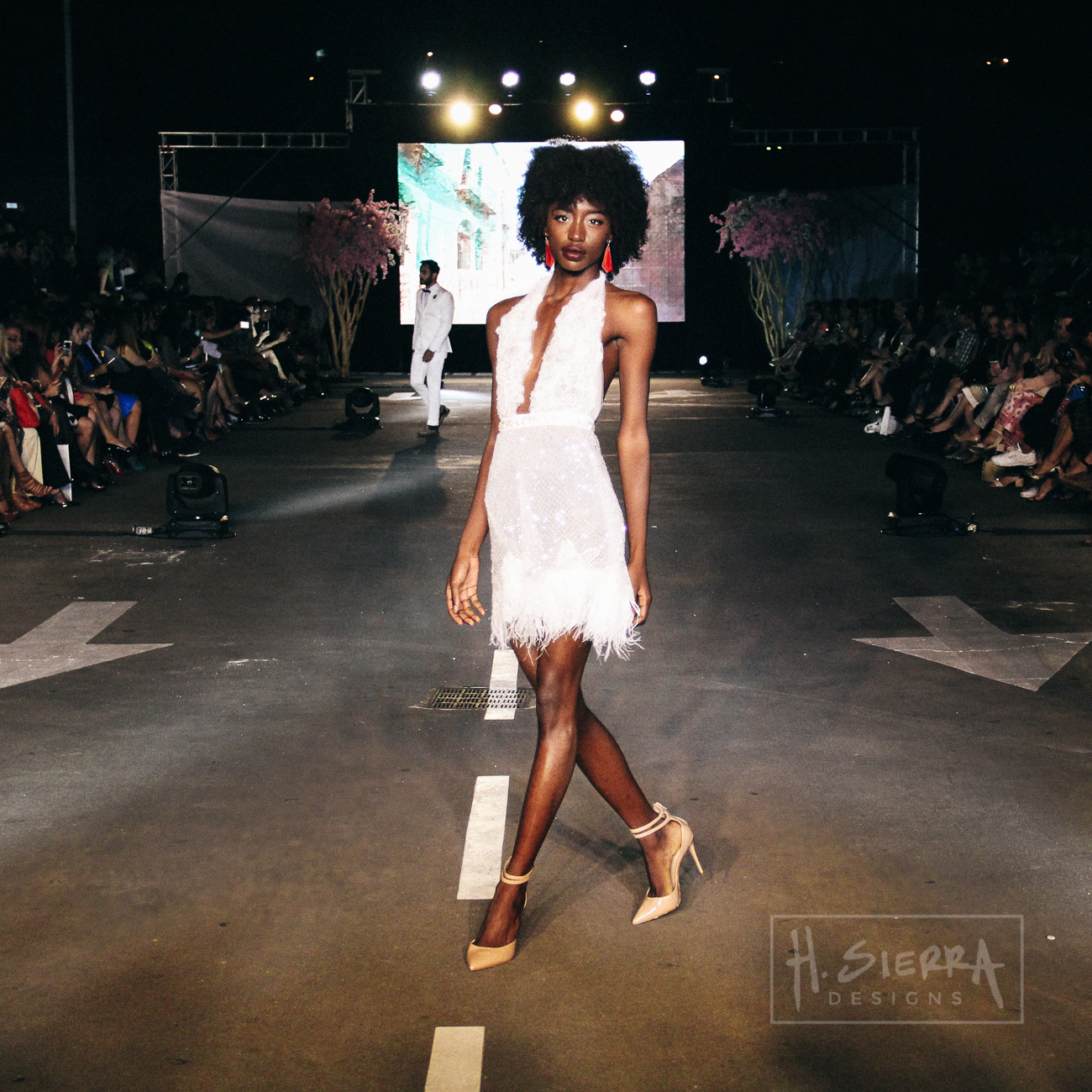HSD_YOYOBARRIENTOS_RUNWAY-1-46.JPG