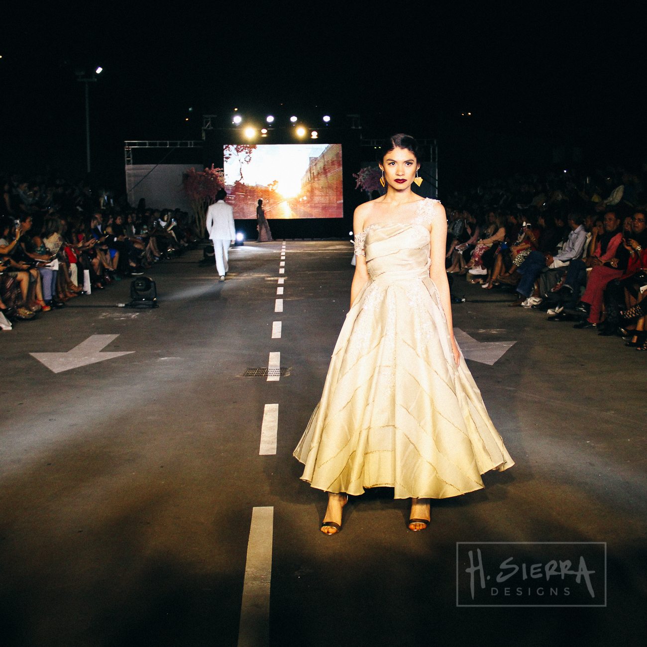 Yoyobarrientos_runway.jpg