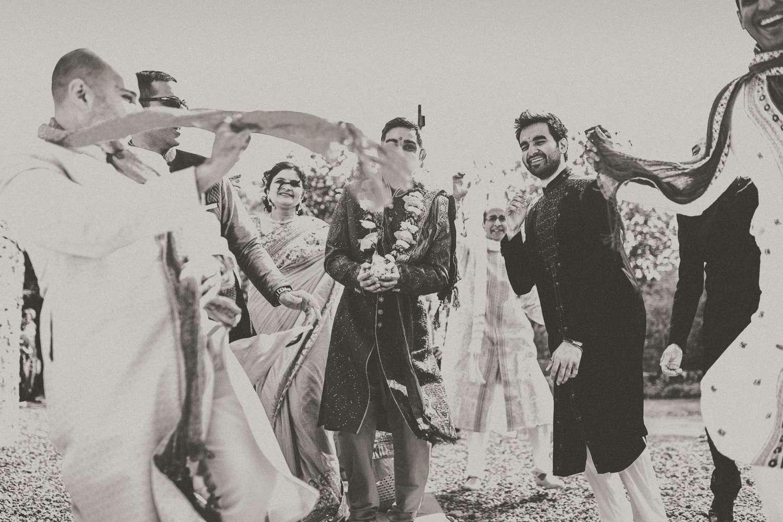 Hindu-Wedding-Photography-Paul-Liddement-Wedding-Stories-19.jpg