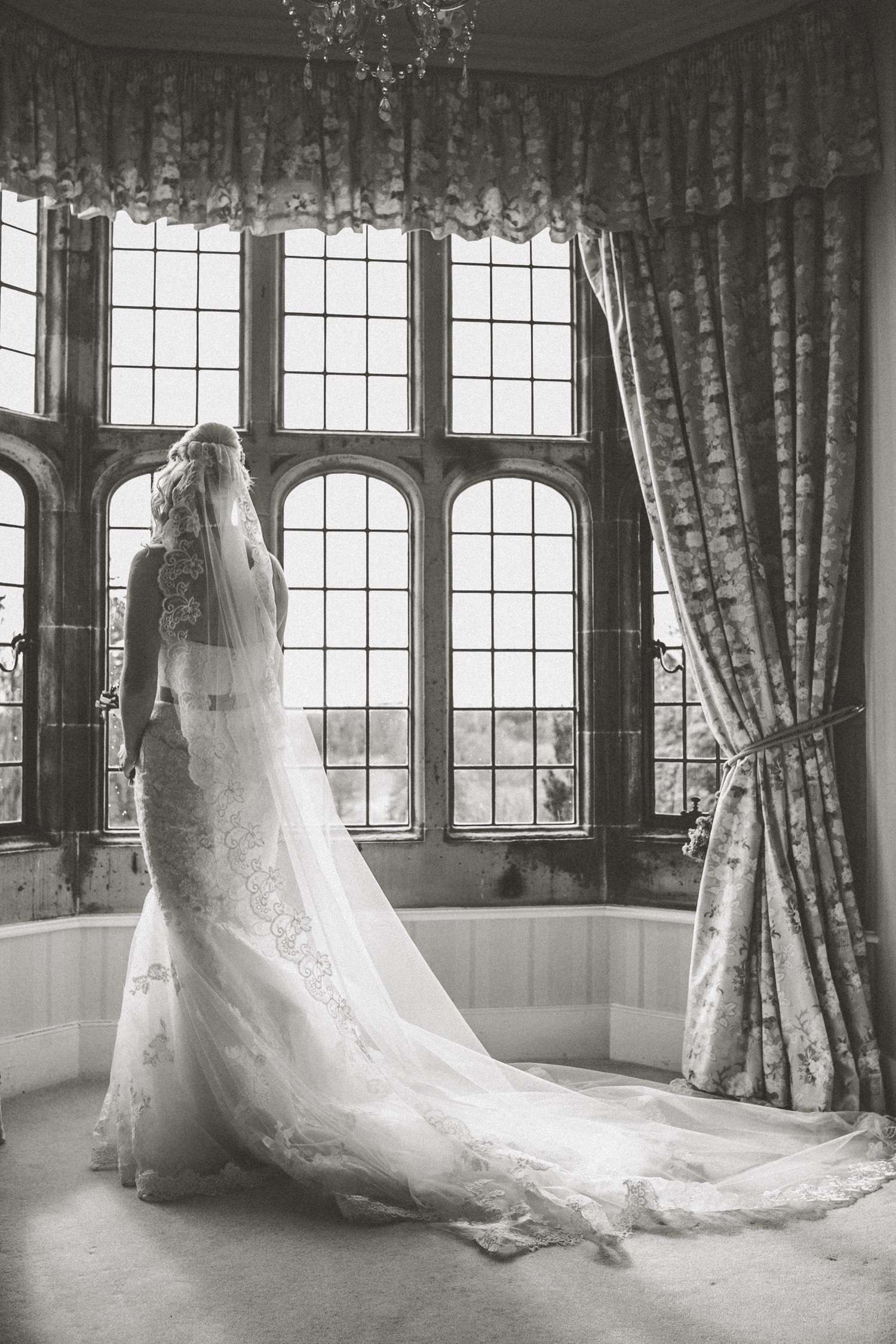 The Stylish Bride // Fay Andrews 25 Mar  Guyzance Hall