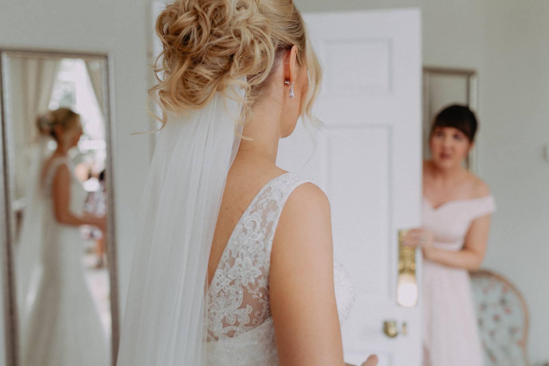 Middleton-Lodge-Wedding-Photographer-23.jpg