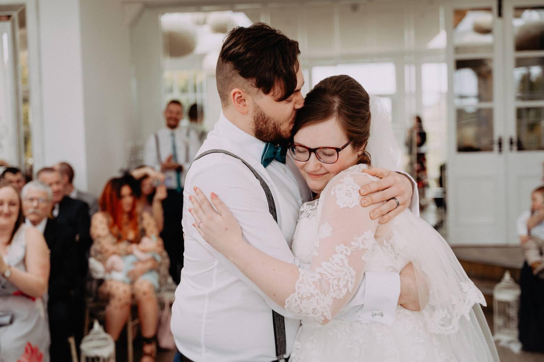 Woodhill-Hall-Wedding-Photos-1.jpg