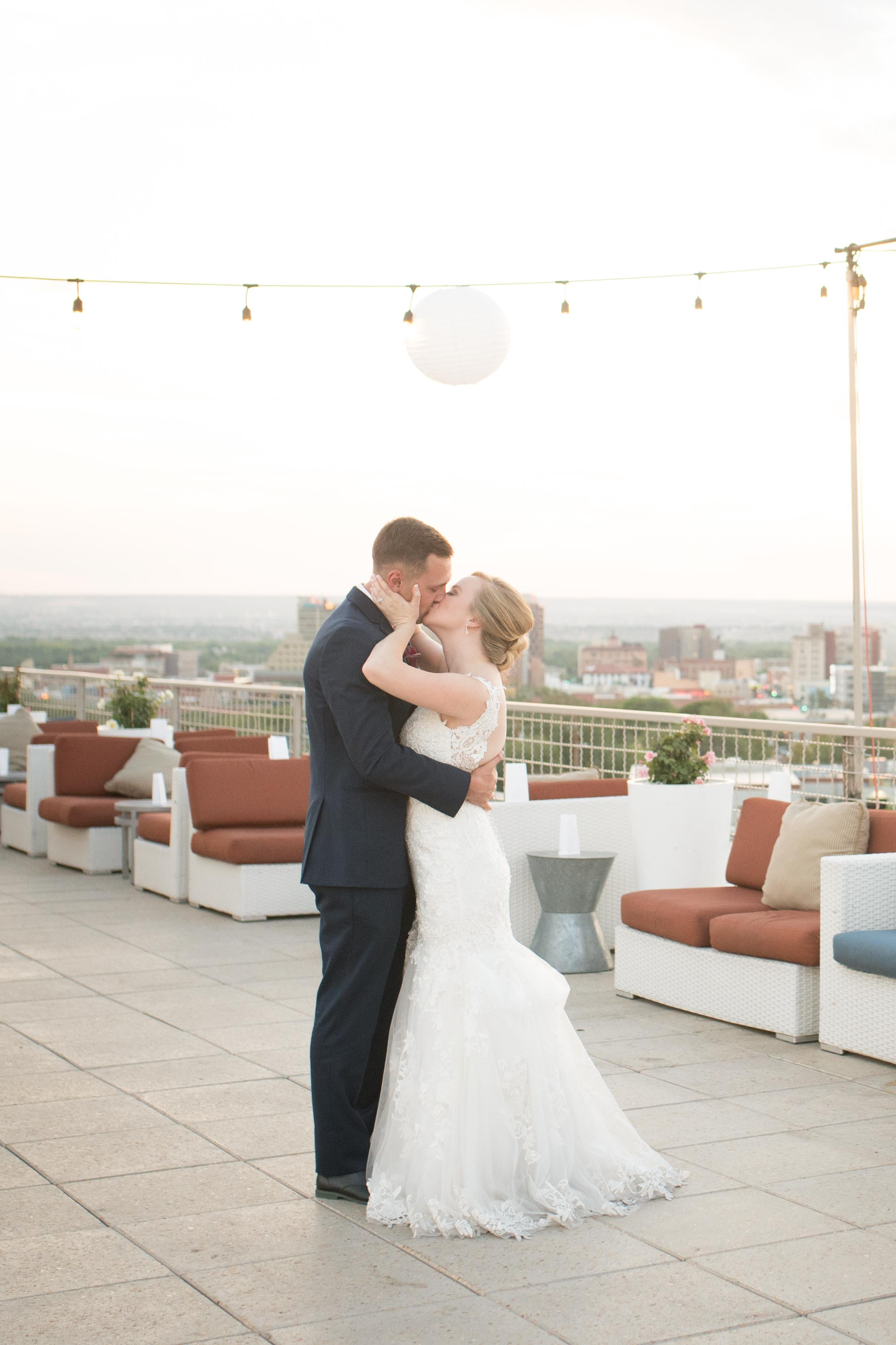 hotel-parque-central-rooftop-albuquerque-wedding-bride-groom-downtown-engagement-married-photographer