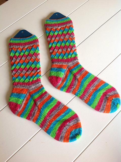 (c) Knittinggrams