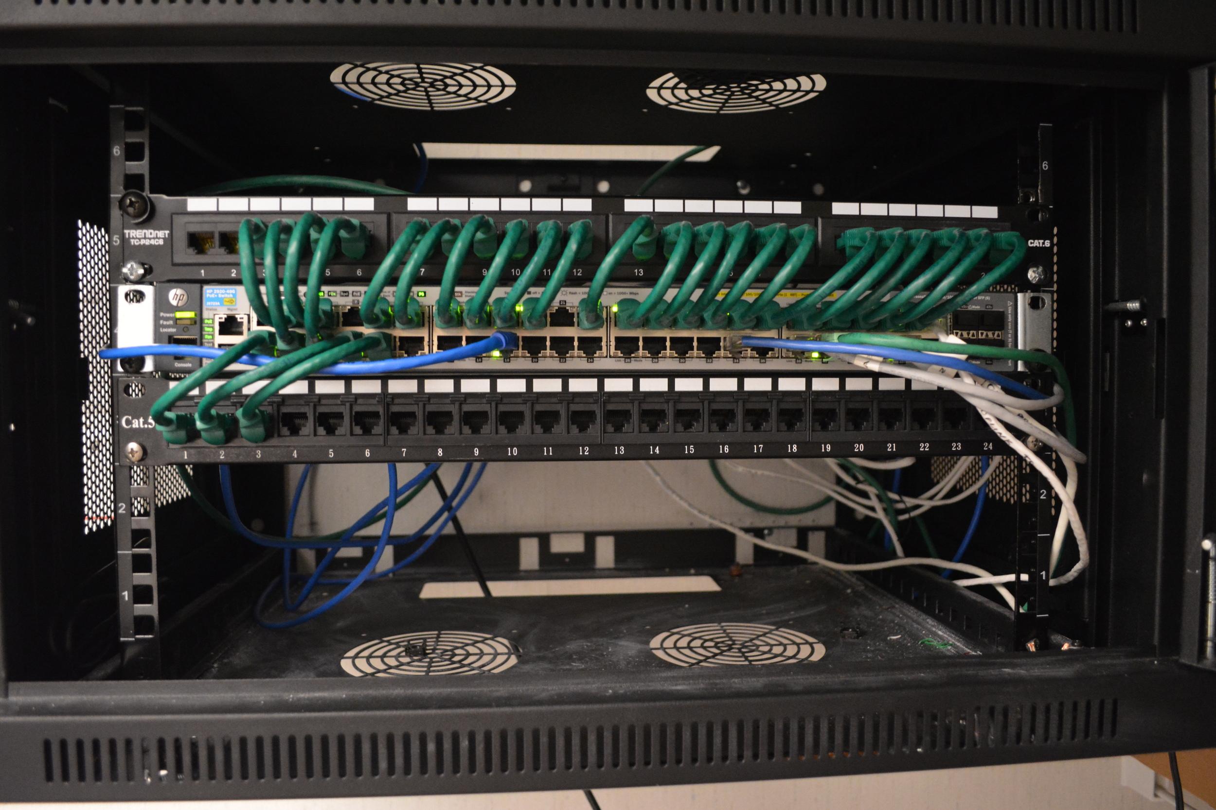 HP 2910al-48G-POE+