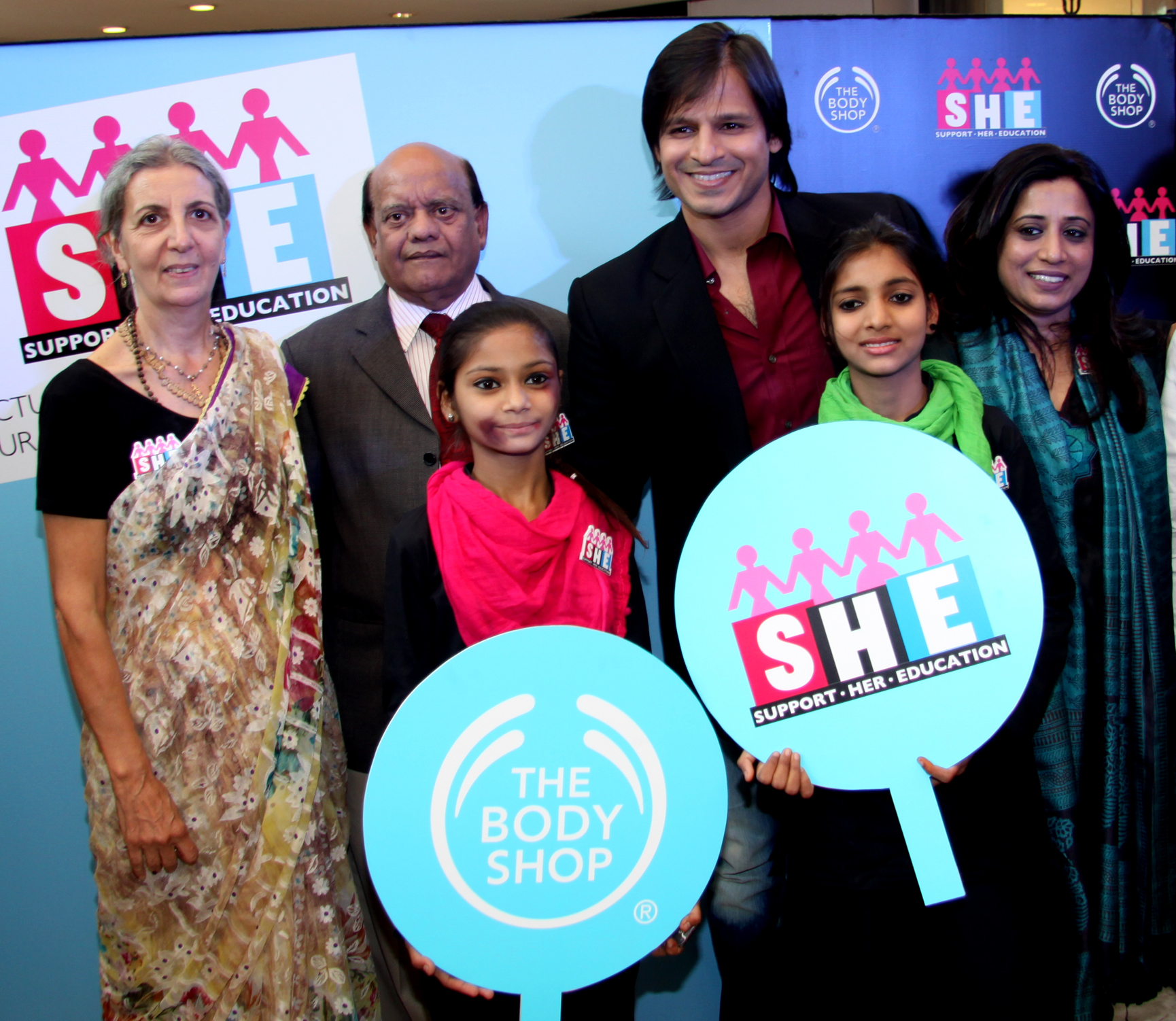 Co -founder FFLV Nikuja Vasini, Padmshree Surender Sharma,  Actor Vivek Oberoi, , and COO The Body Shop Shriti Malhotra at The Body Shop Event Campaign SHE- Support her education .jpg