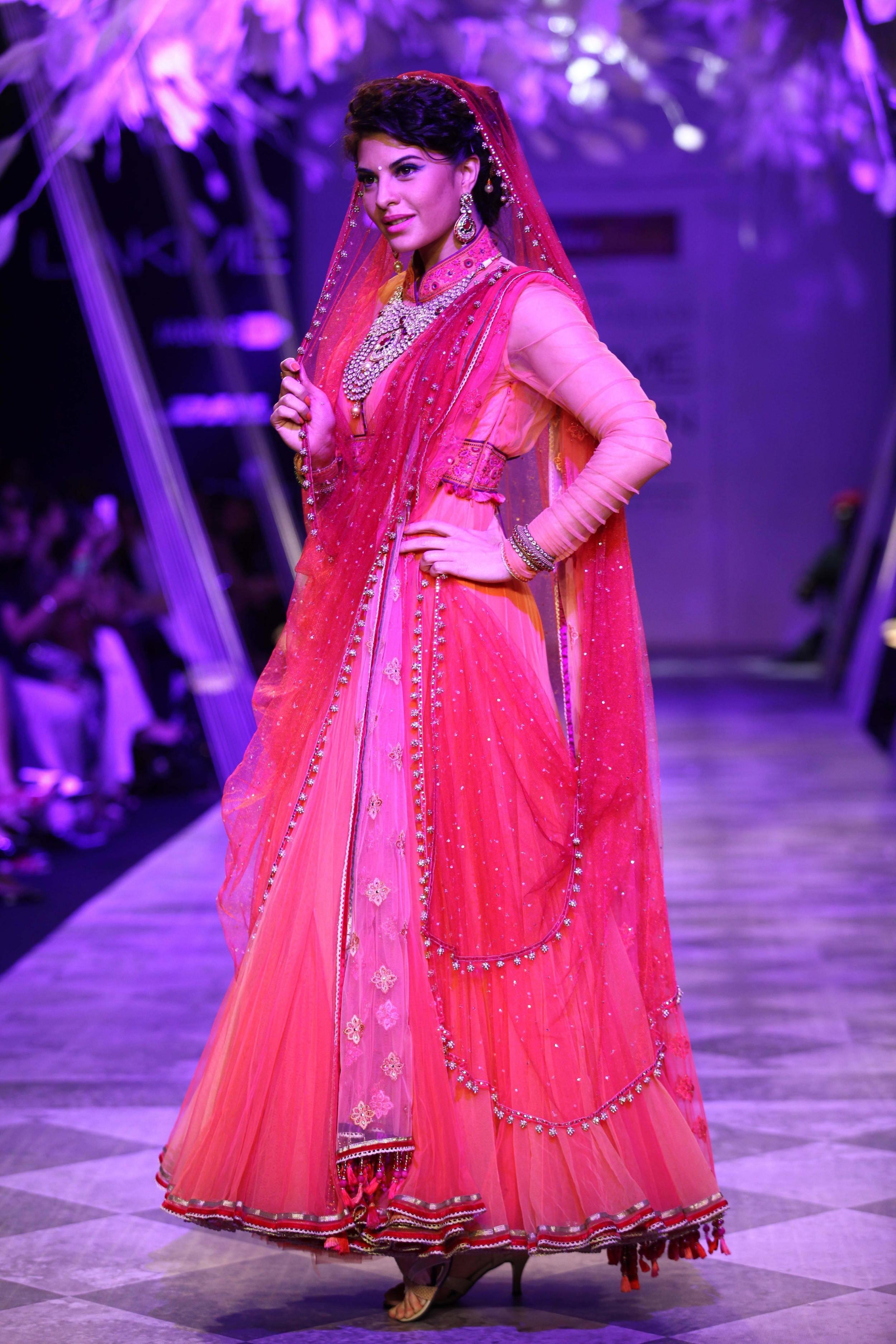 Jacqueline Fernandez for Tarun Tahiliani SS'14 Collection at LFW SR 2014 2.jpg