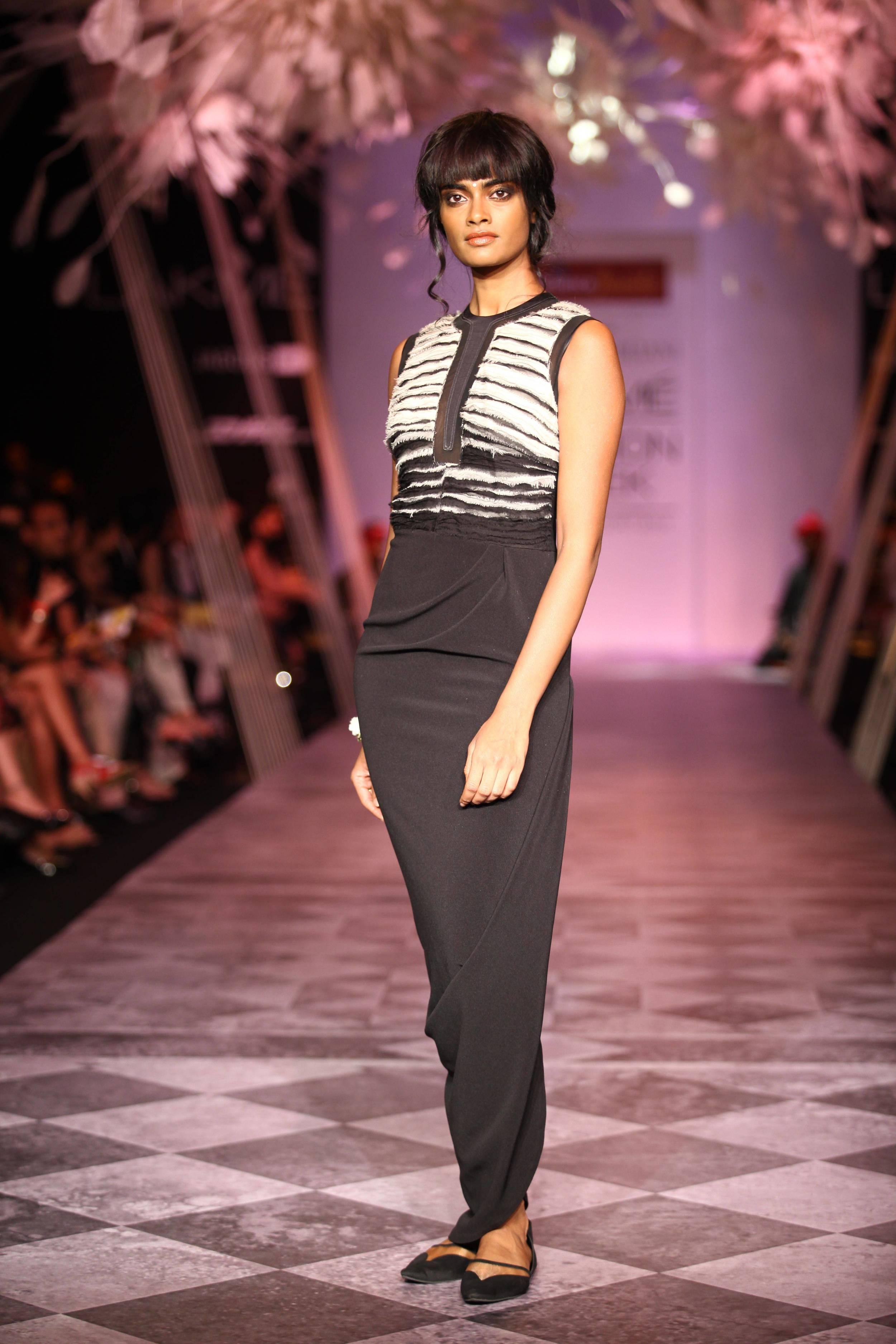 Tarun Tahiliani SS'14 Collection at LFW SR 2014 1.jpg
