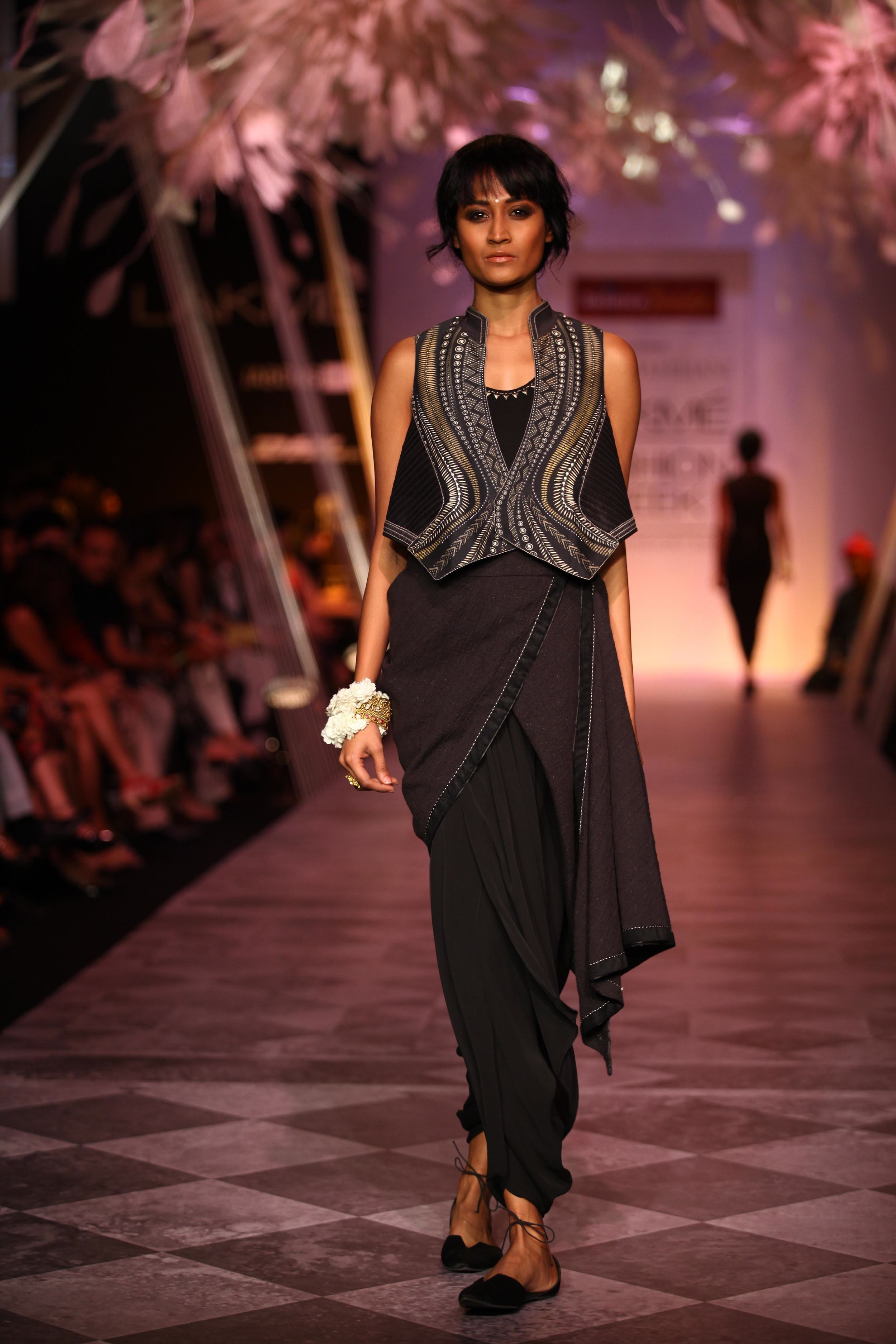 Tarun Tahiliani SS'14 Collection at LFW SR 2014 2.jpg