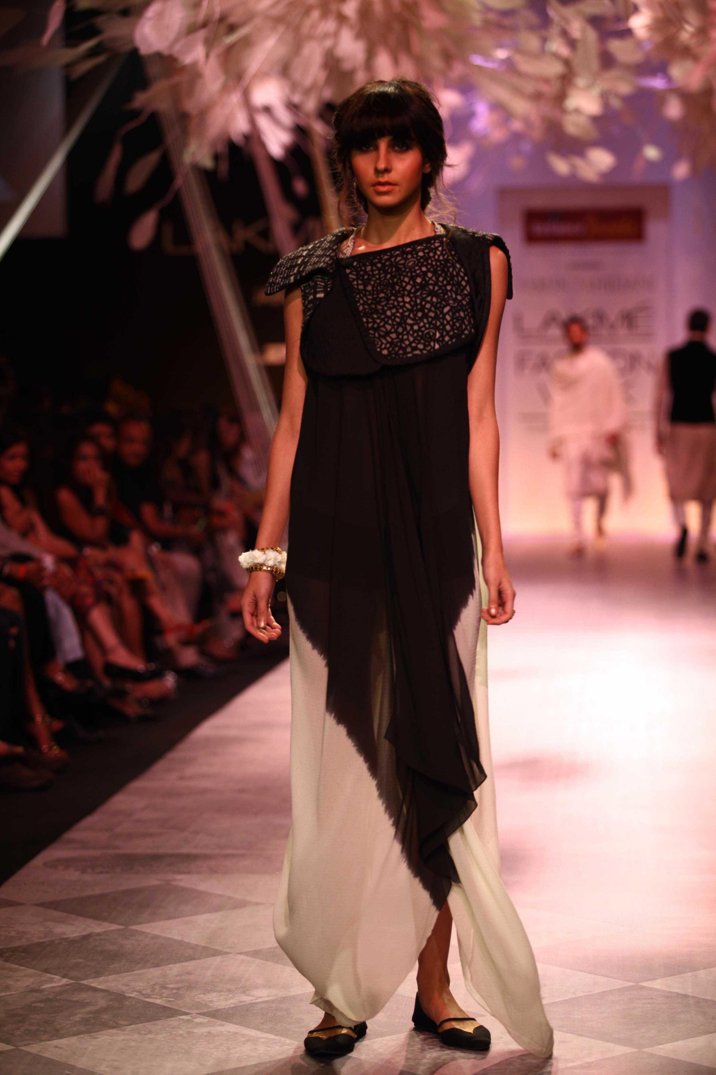 Tarun Tahiliani SS'14 Collection at LFW SR 2014 5.jpg