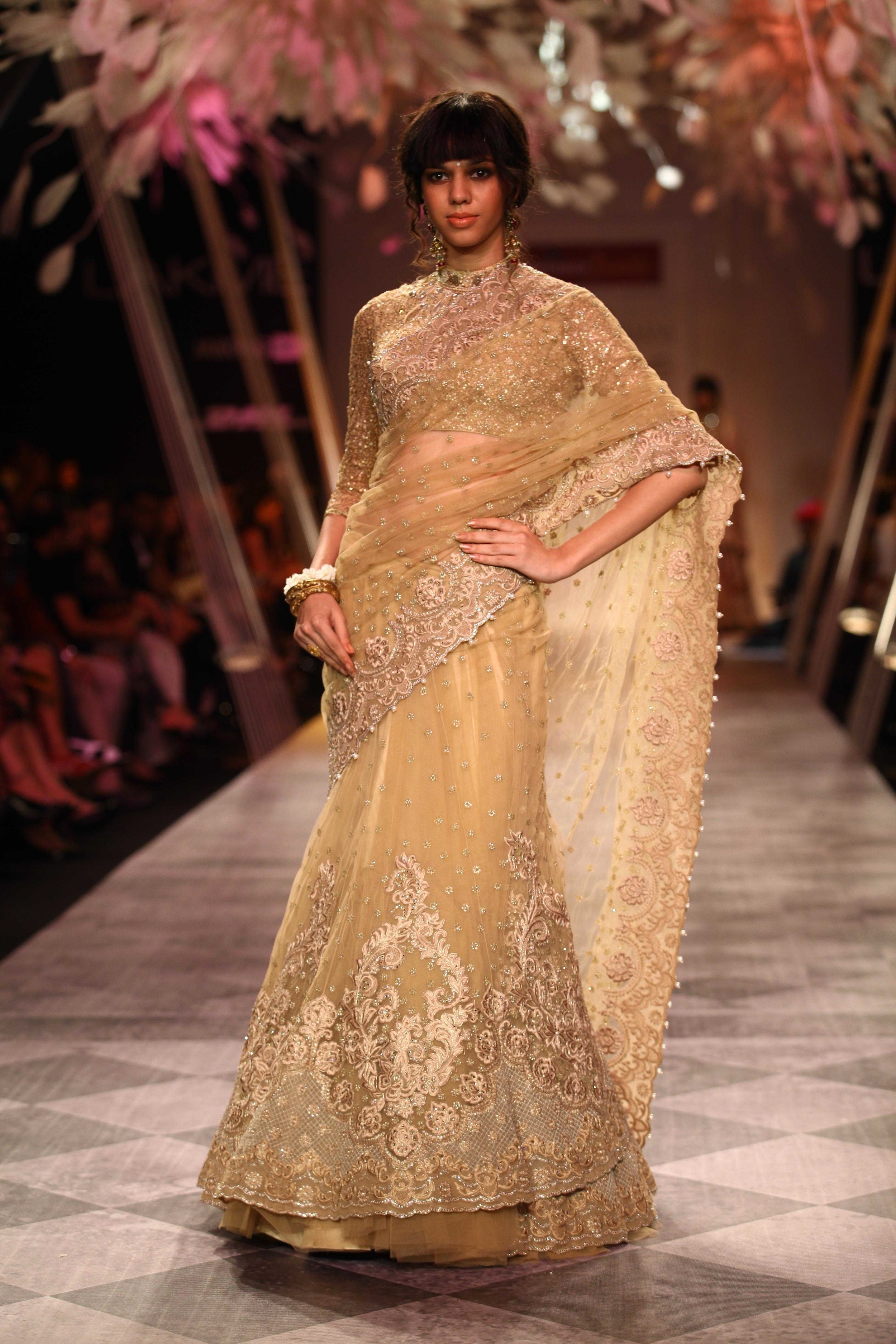 Tarun Tahiliani SS'14 Collection at LFW SR 2014 16.jpg