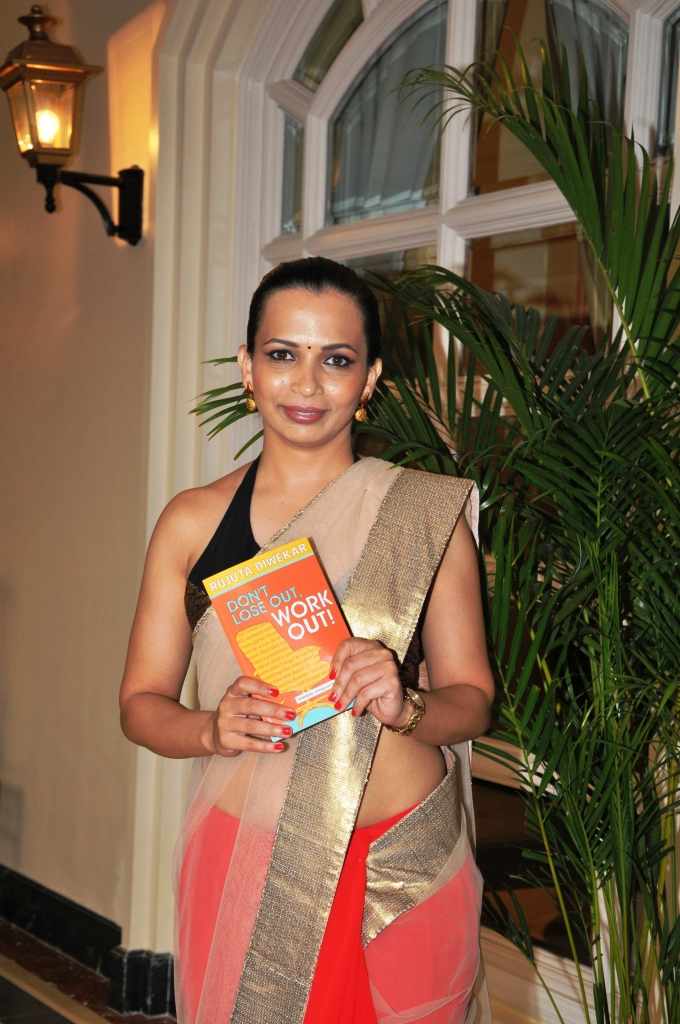 INDIA'S LEADING FITNESS EXPERT RUJUTA DIWEKAR AT THE LAUNCH OF HER BOOK 'DON'T LOSE OUT, WORK OUT.JPG