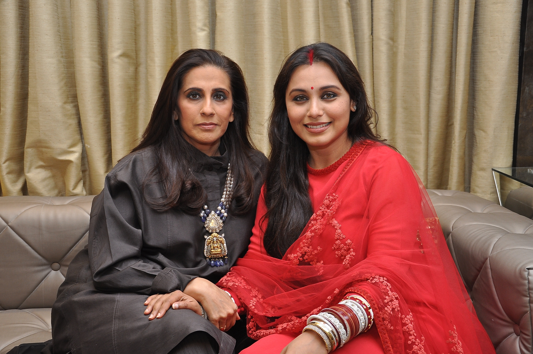 Sunita Kapoor with Rani Mukerji at DIVA'NI store launch