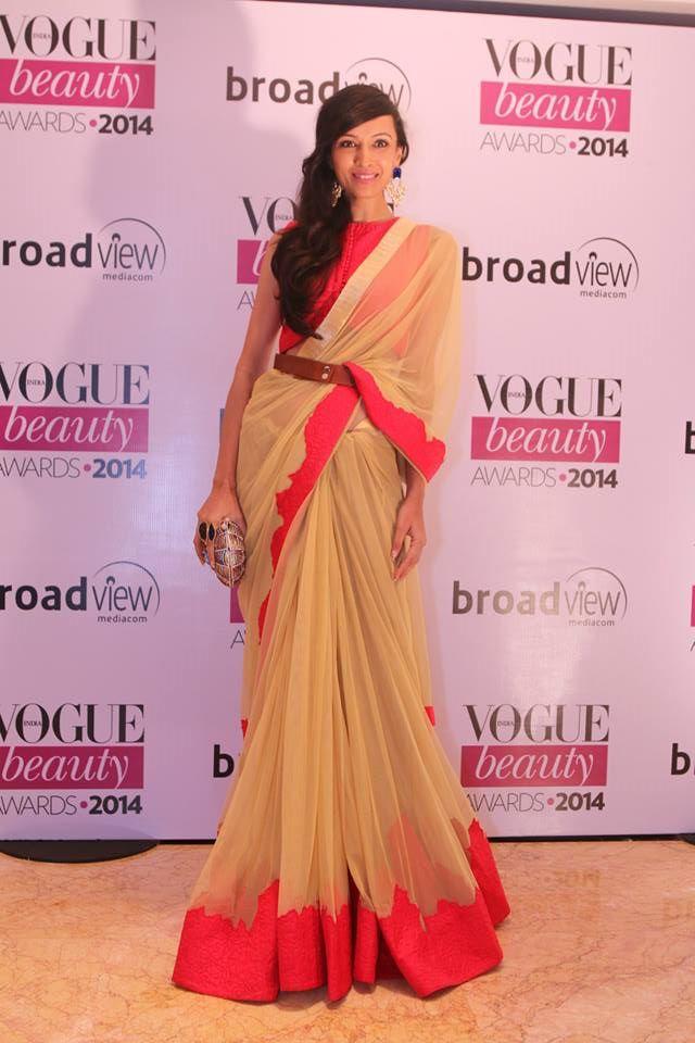 Dipanita Sharma in Frou Frou by Archana Raoat theVogue Beauty Awards 2014