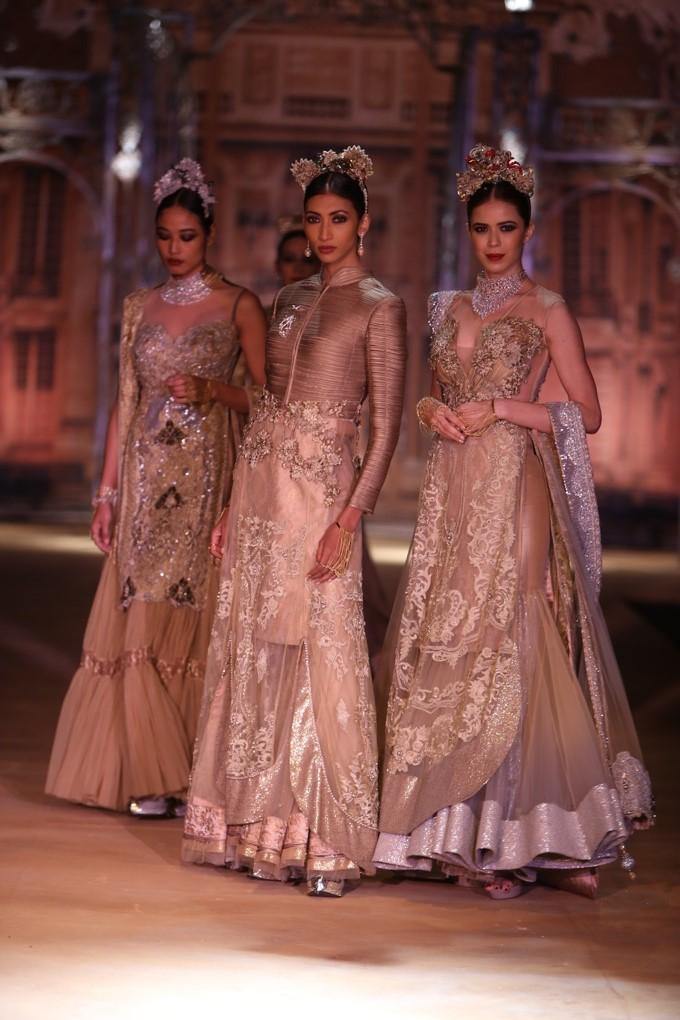 ICW-2014-sulakshana-couture-7.JPG