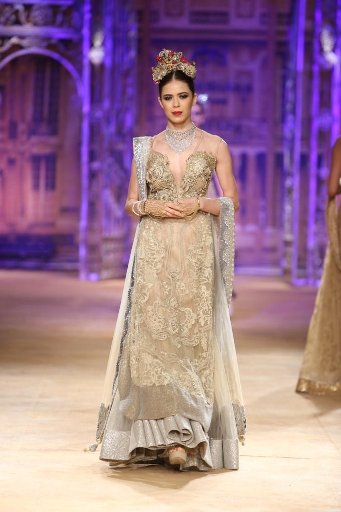 ICW-2014-sulakshana-couture-11.JPG
