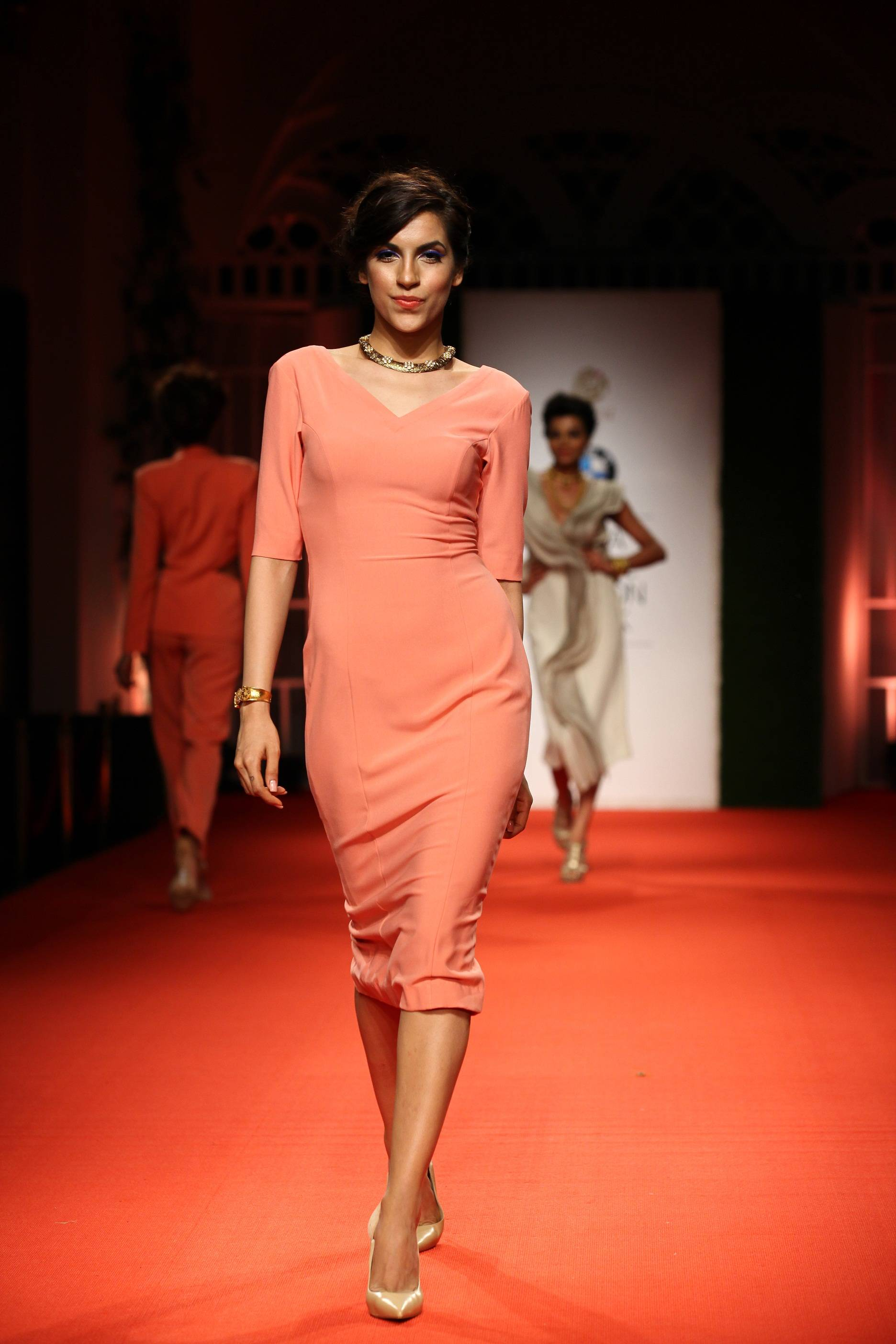 Azva Presents Gold Jewellery in its Most Elegant and Glamourous Avatar at BMW India Bridal Fashion Week 2014 in association with AZVA at DLF Emporio (2).jpg