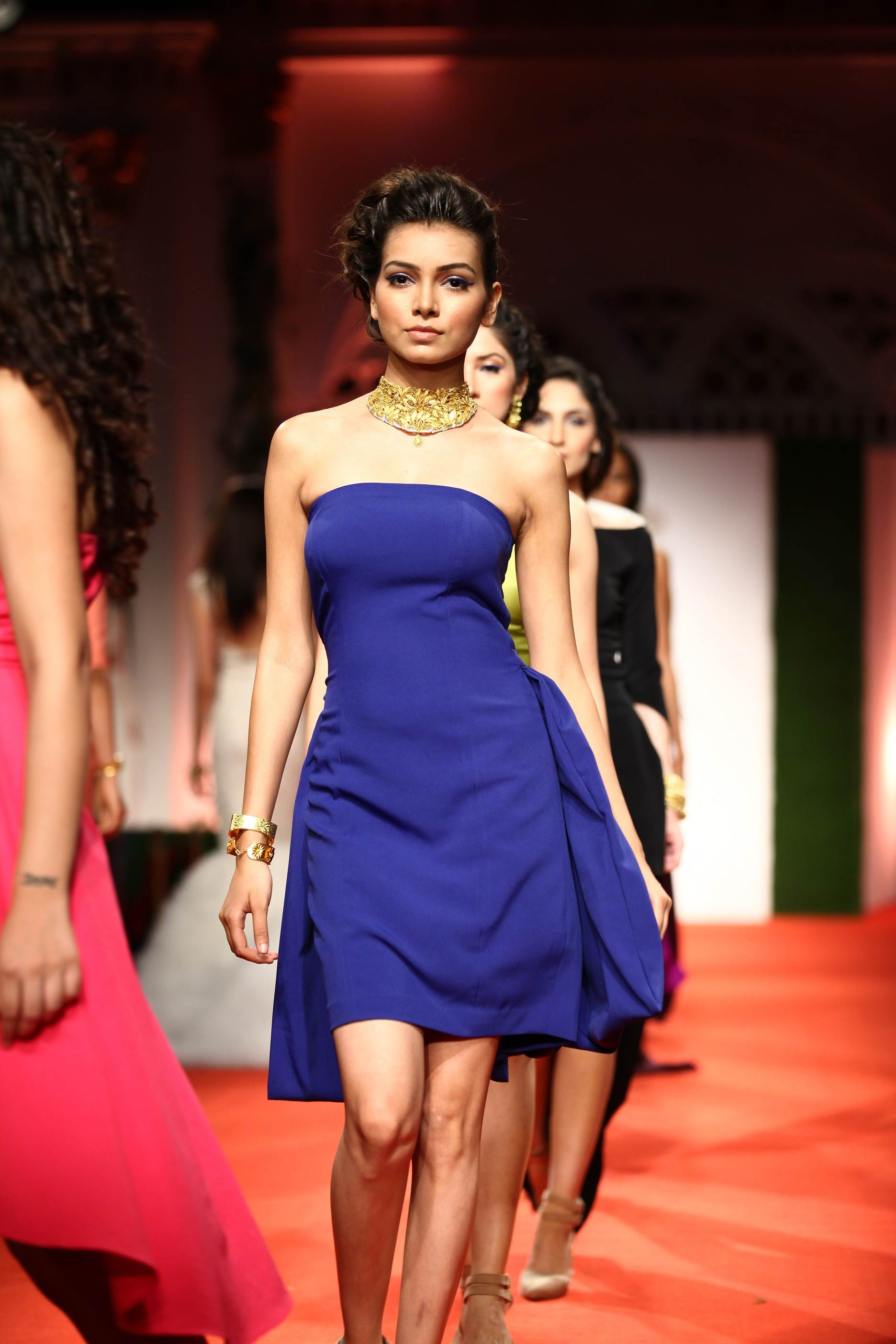 Azva Presents Gold Jewellery in its Most Elegant and Glamourous Avatar at BMW India Bridal Fashion Week 2014 in association with AZVA at DLF Emporio (13).jpg