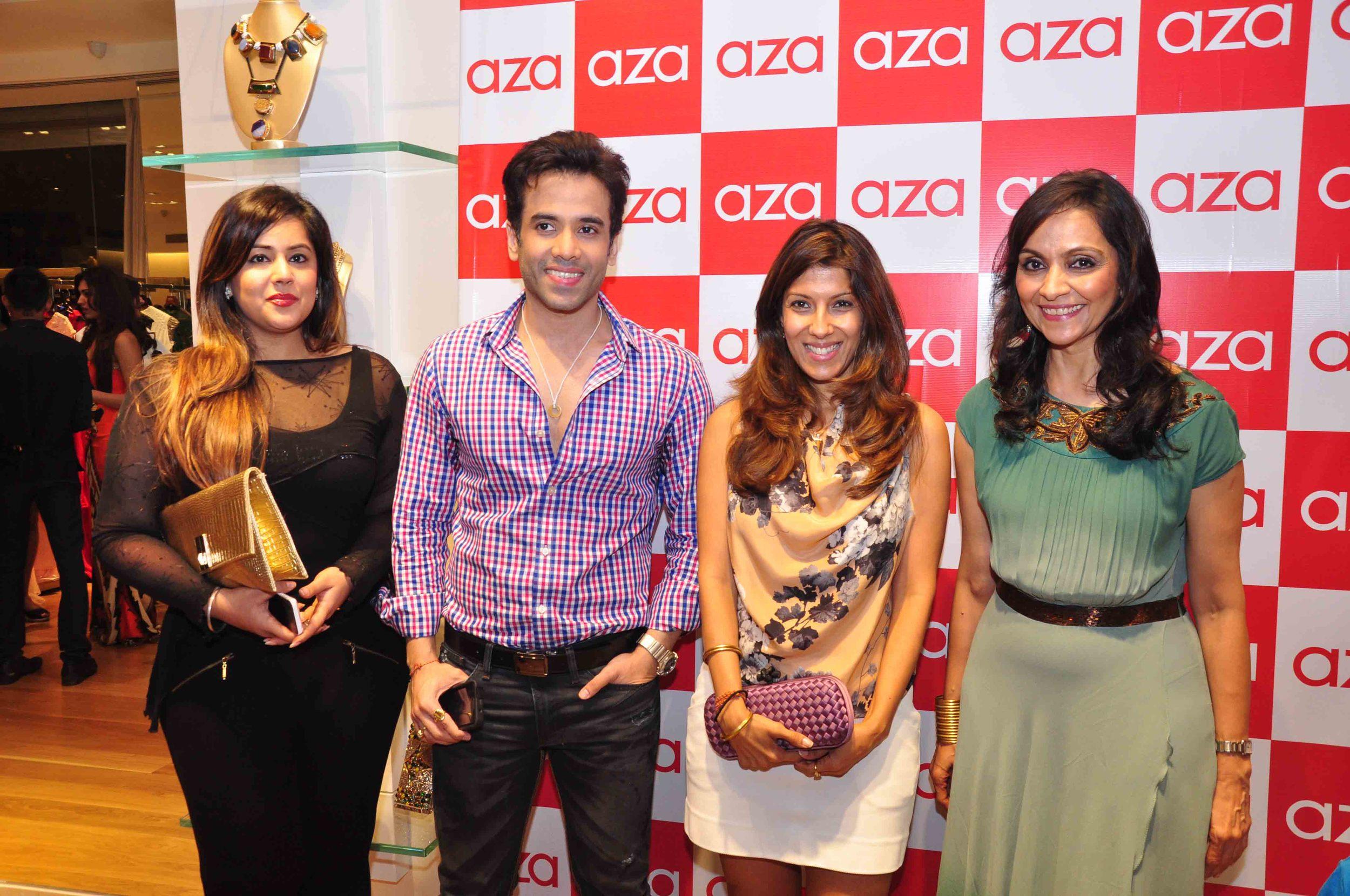 Prachi, Tusshar Kapoor, Renu Chainani & Alka Nishar