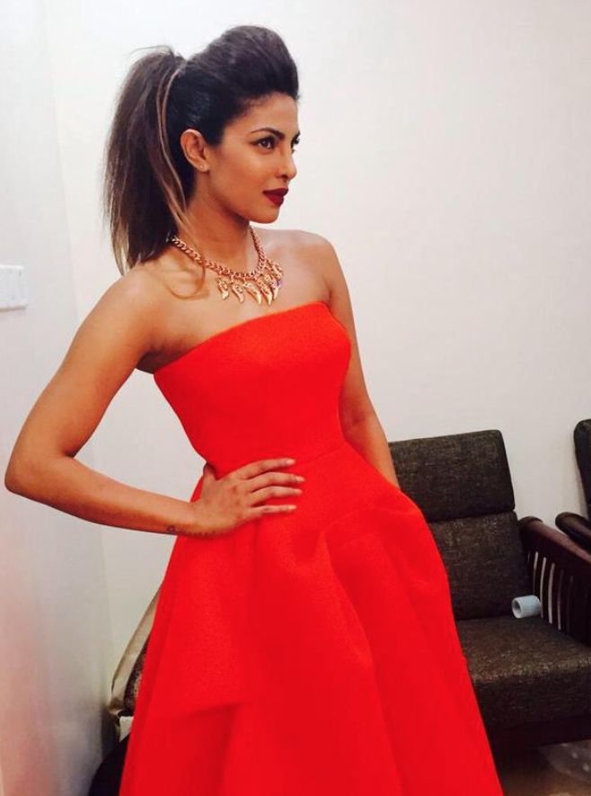 star-guild-awards-2015-priyanka-chopra-4.png