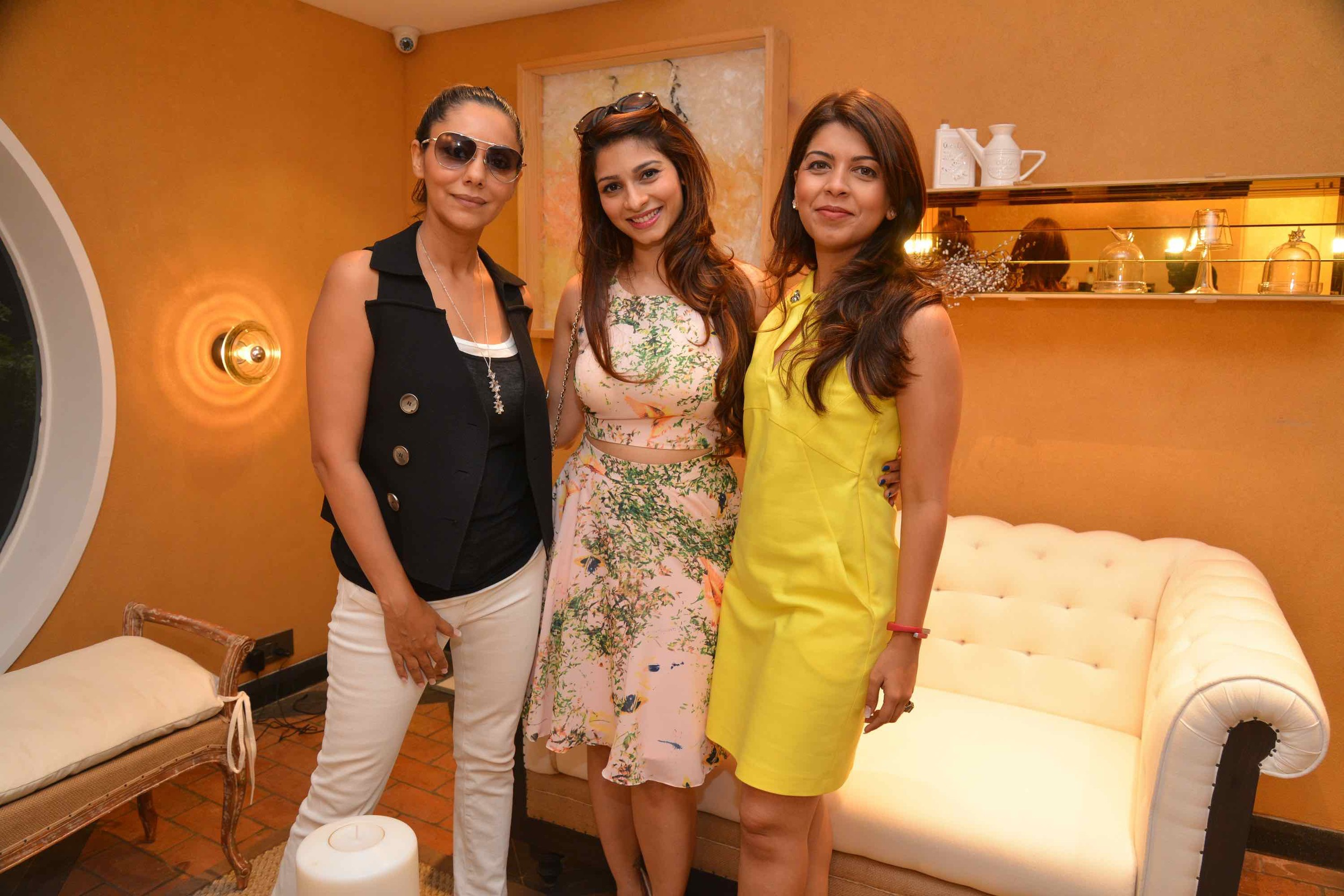 Gauri Khan, Tanisha Mukherji And Tanaaz Bhatia At The Villeroy & Boch High Tea