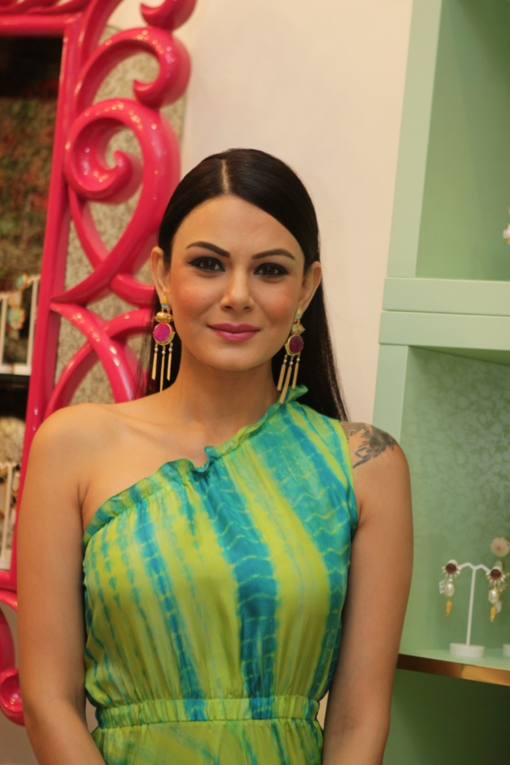 Anchal Kumar in earrings by Mitaali Vohra.JPG