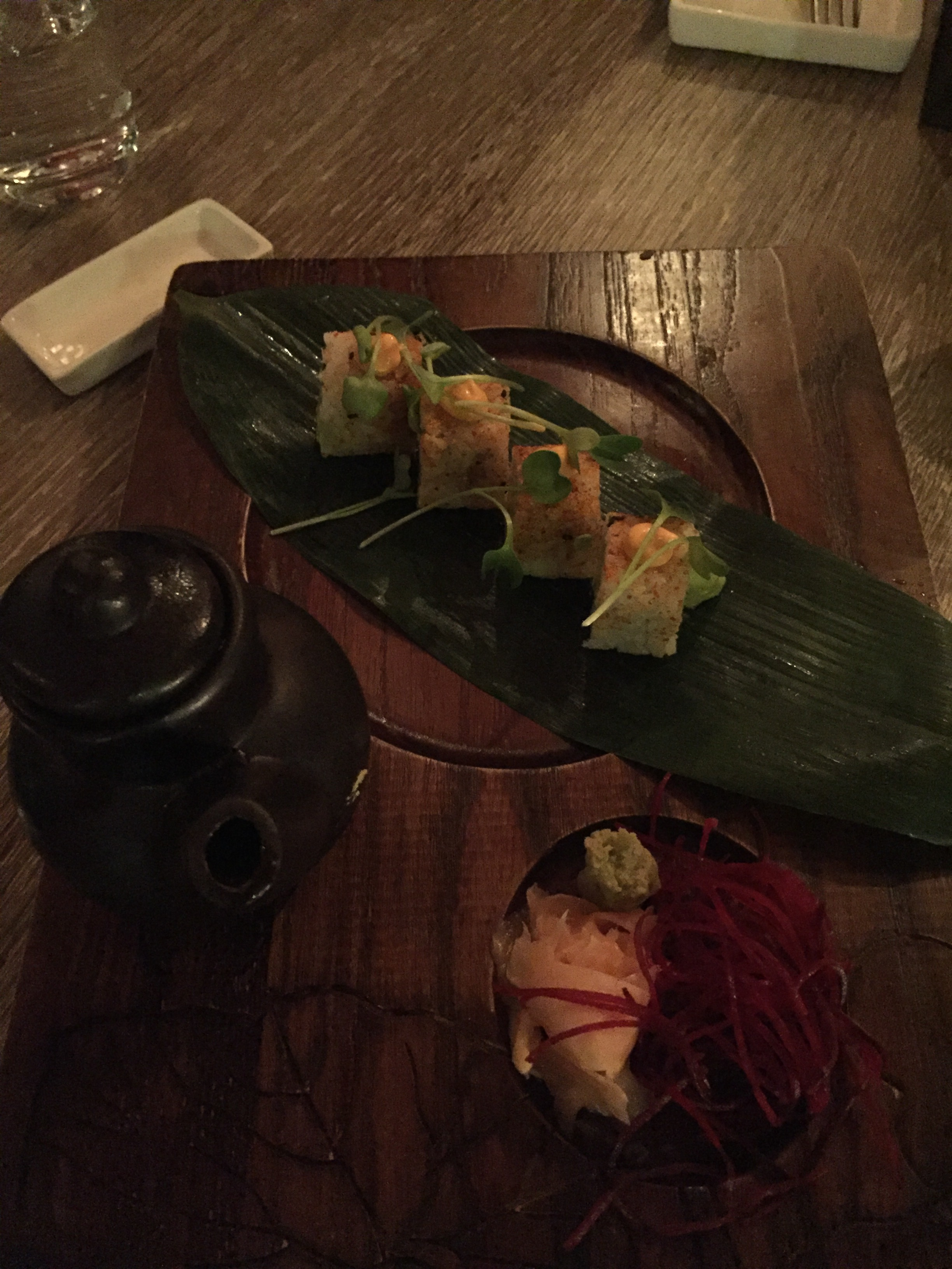 Spicy Avocado Maki Rolls