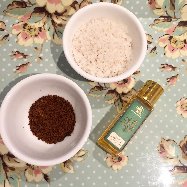 diy-body-scrub-coffee-seasalt-oil-3.JPG