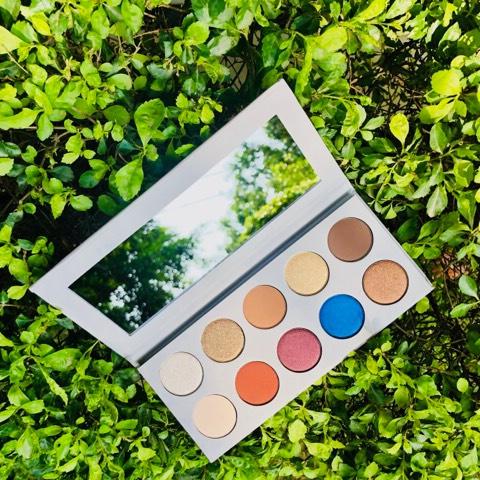 kkwbeauty_mario_eyeshadow_palette_2.jpg