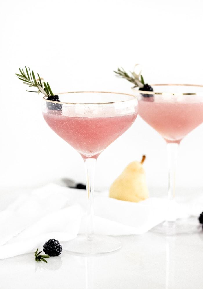 Elderberry-Pear-Fizz-Mocktail-1.jpg
