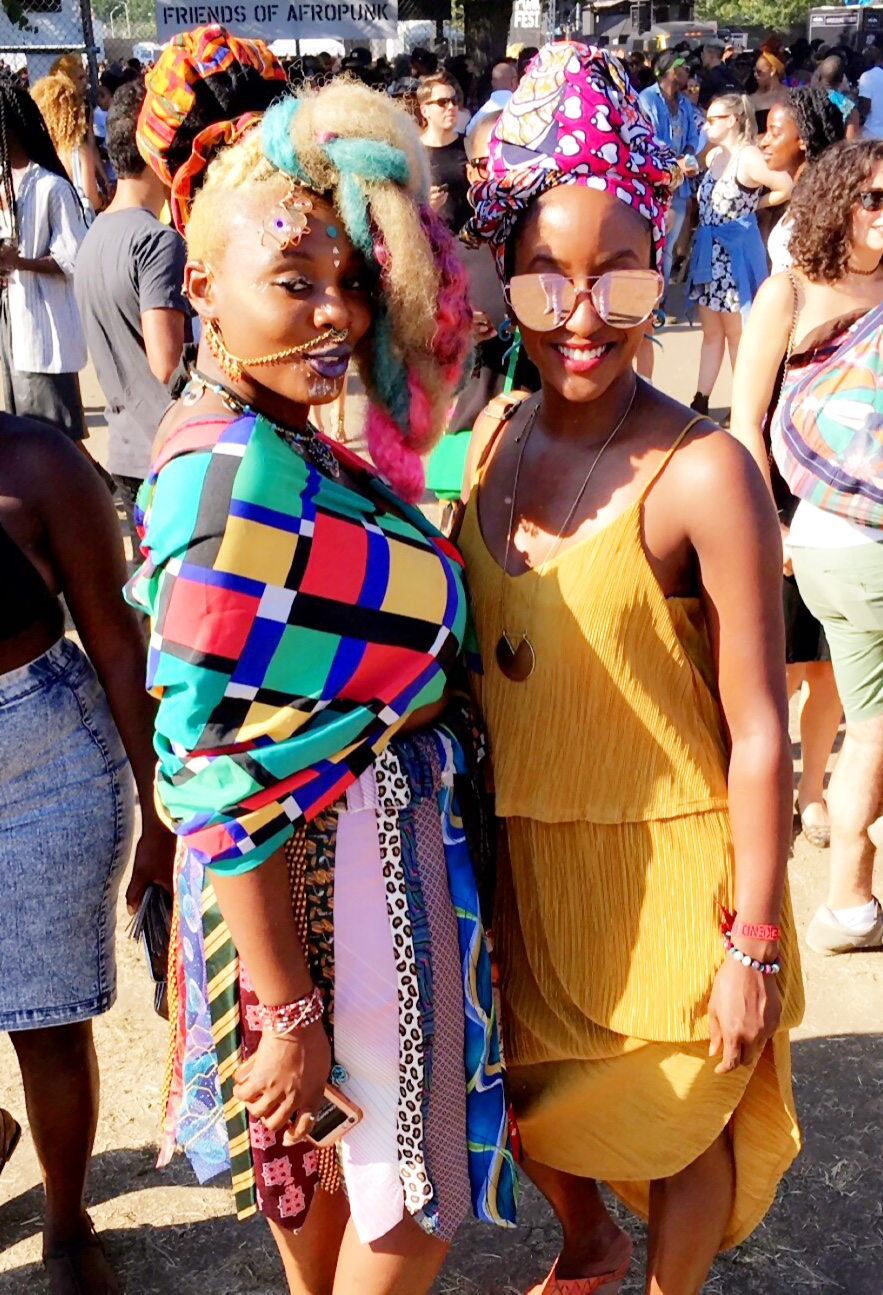 Day 2. Fashion details... w/ a colorful friend. #noprismanecessary