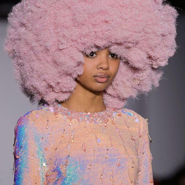 Love the bubblegum colored hair!  #repost @ashish_uk  #fashion #runway #love #naturalhair