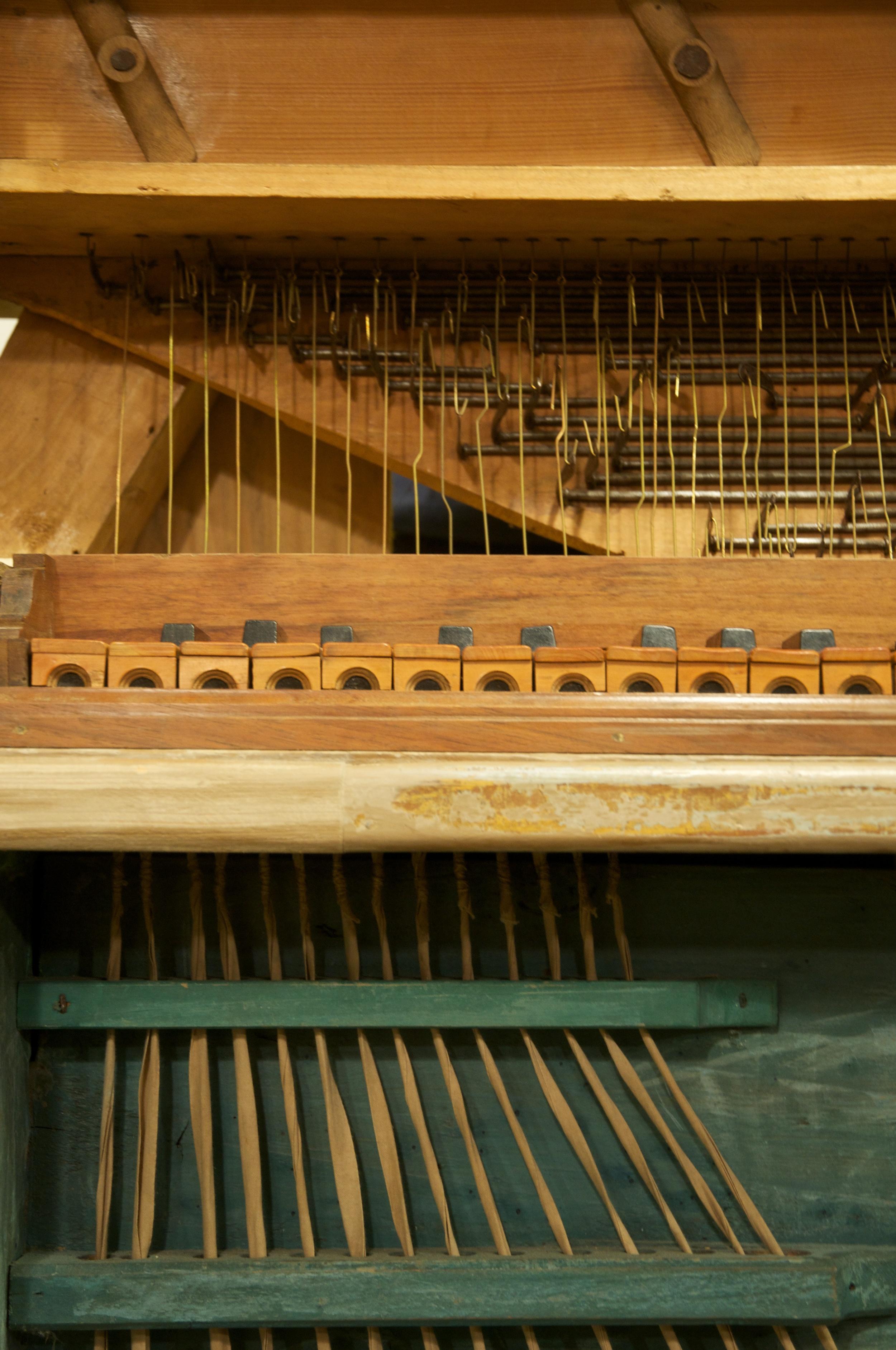 Originale Prozessionsorgel aus dem 17. Jahrhundert, siehe  www.claviersammlung.de