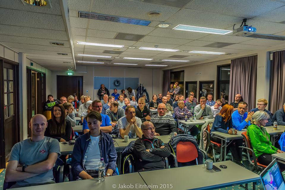 55 deltakere møtte opp på Scandic hotel og fikk servert et grundig foredrag om vintertrening.