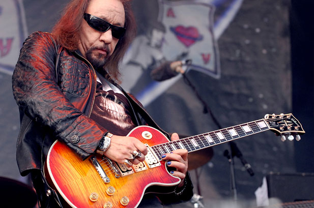 101181-ace_frehley_617_409