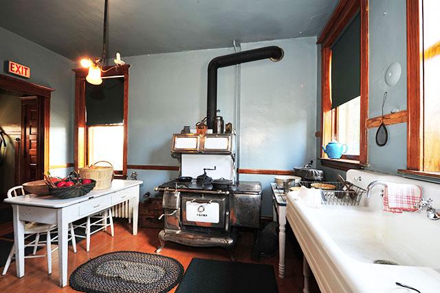 kh-6-1-kitchen-stan.jpg