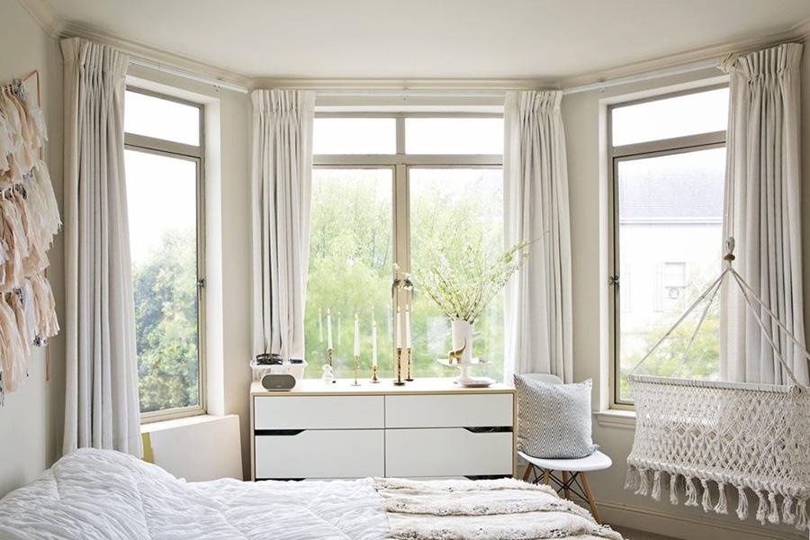 apt4 copy_white bedding.jpg