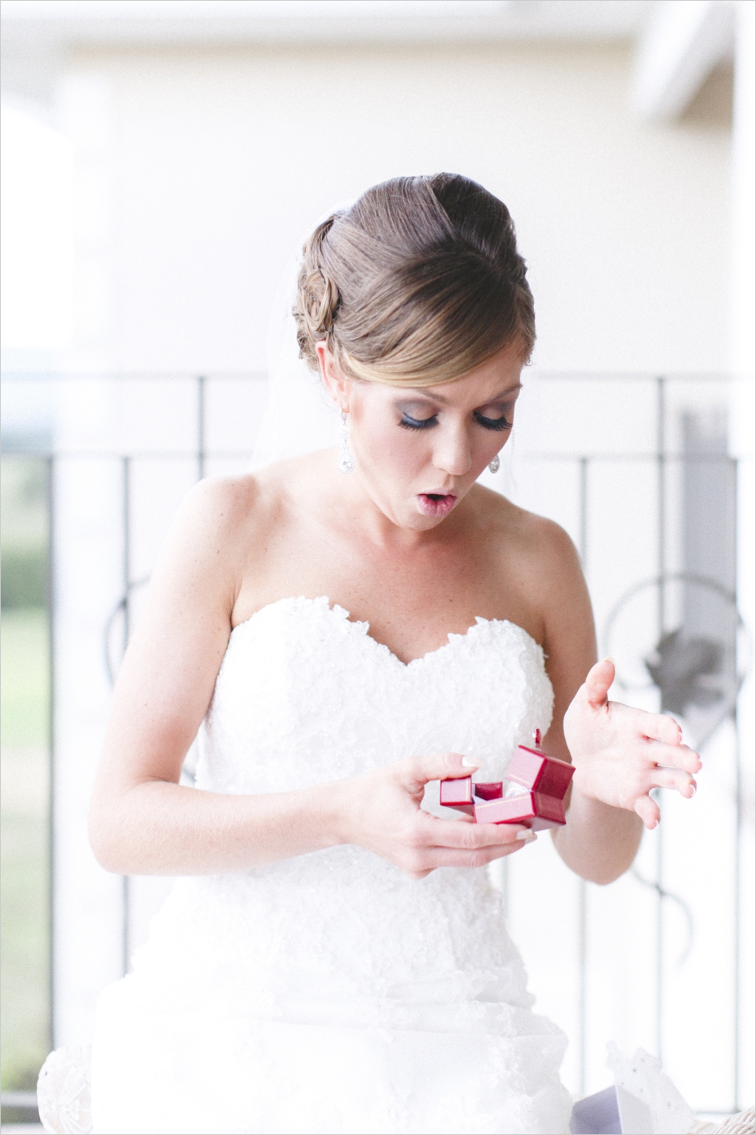 leslie-derek-crosskeys-vineyard-wedding-harrisonbug-va_0016