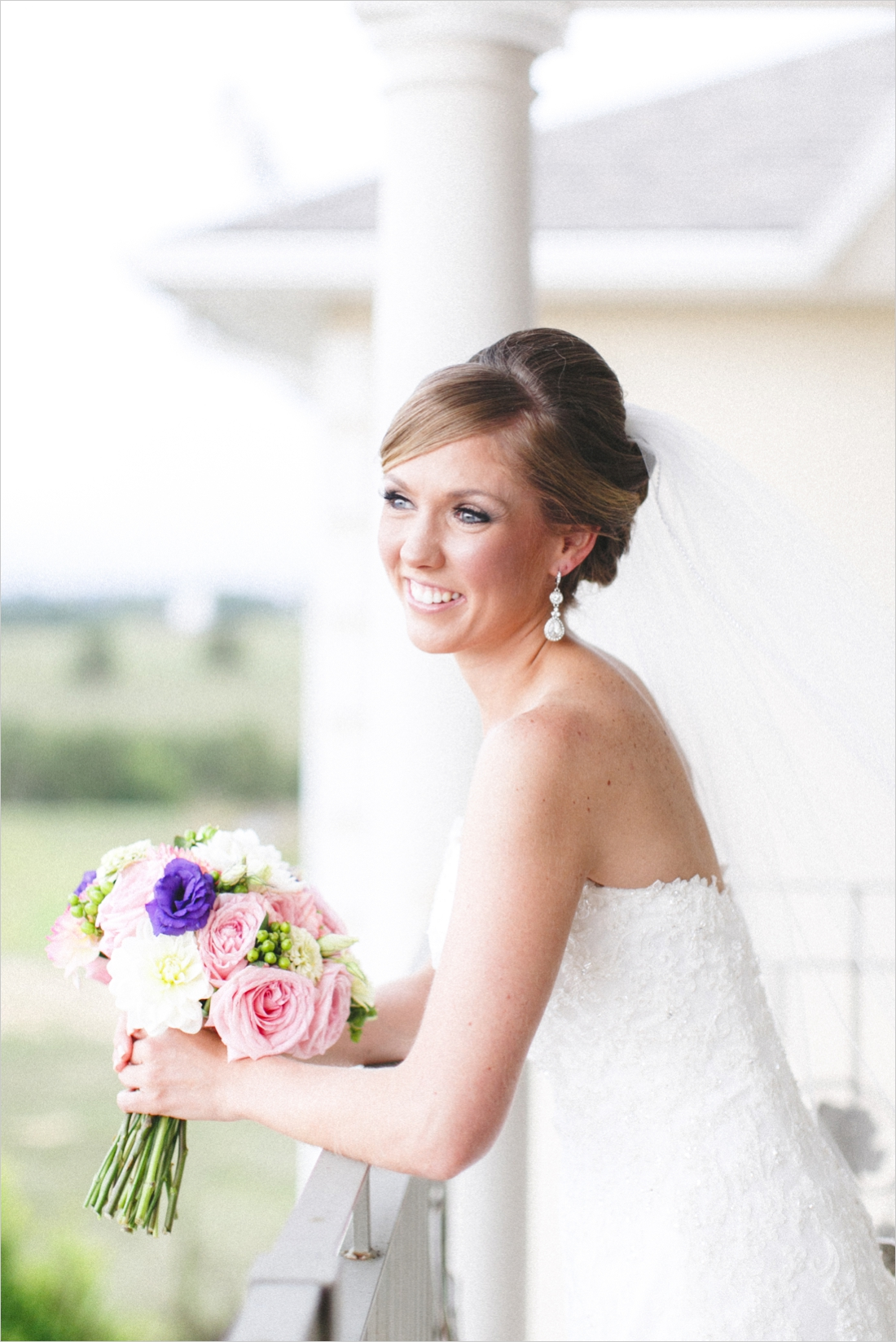 leslie-derek-crosskeys-vineyard-wedding-harrisonbug-va_0016b