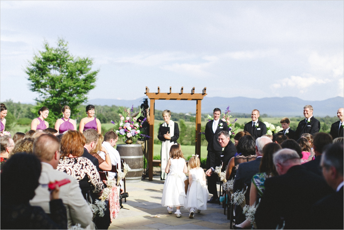 leslie-derek-crosskeys-vineyard-wedding-harrisonbug-va_0021