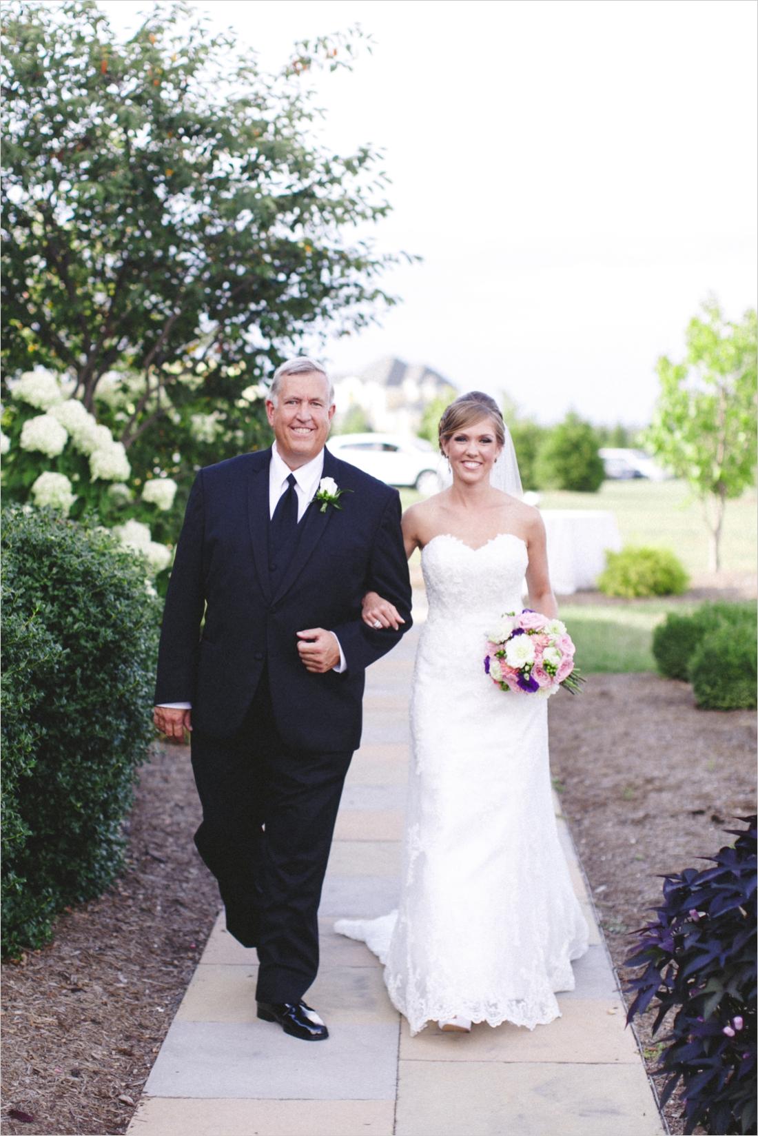leslie-derek-crosskeys-vineyard-wedding-harrisonbug-va_0022