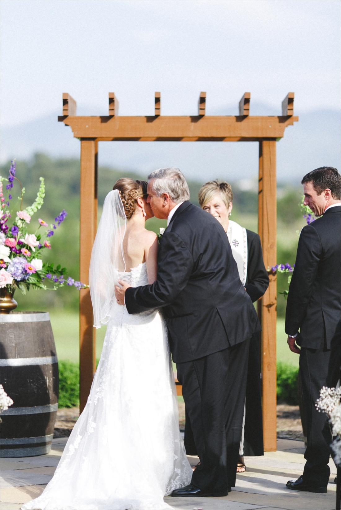 leslie-derek-crosskeys-vineyard-wedding-harrisonbug-va_0024