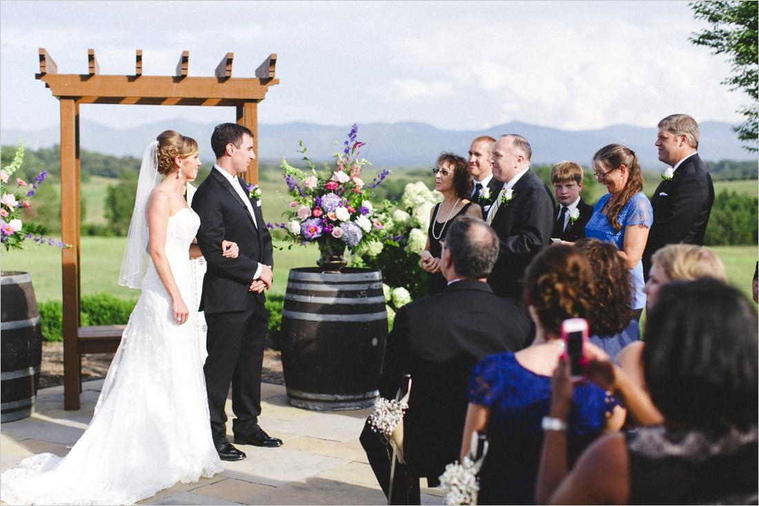 leslie-derek-crosskeys-vineyard-wedding-harrisonbug-va_0025